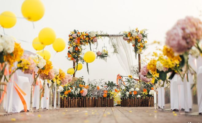 Wedding; Wedding Decoration; Wedding Scene; Wedding Photography;Wedding Ceremony; Outdoor Wedding; Indoor Wedding;Church Wedding; Bride And Groom; Romantic Wedding;Country Wedding; Wedding Chair;Wedding Table; Wedding Party; Wedding Light;Wedding Entrance Decoration;Entrance Decoration